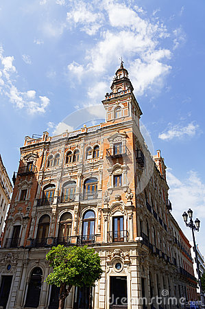 Free Historic Buildings And Monuments Of Seville, Spain. Architectural Details, Stone Facade. Royalty Free Stock Photos - 92482058