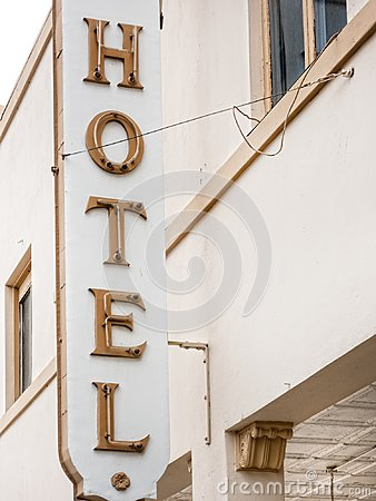 Free Historic Hotel Sign Royalty Free Stock Photos - 106421878