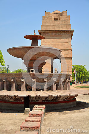 Historic India Gate Monument and fountain in Delhi