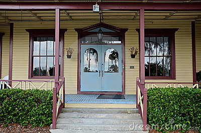 Historic Longwood Village Inn