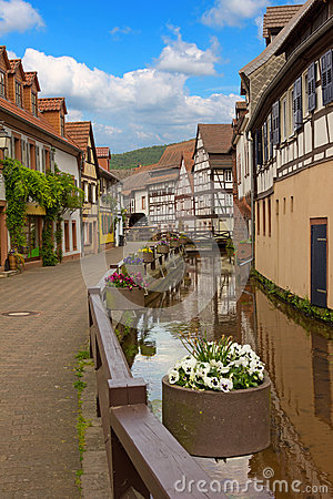 Free Historic Mill Alleyway, Annweiler Village, Saarland Stock Photo - 54504420
