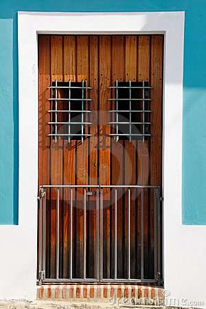 Free Historic Old San Juan Brown Door, Aqua Blue Walls Royalty Free Stock Images - 20357119