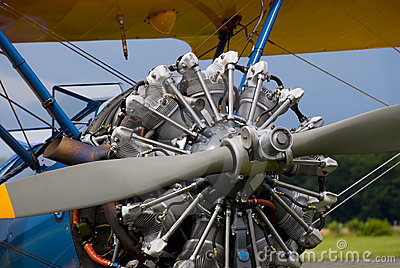Historical biplane engine