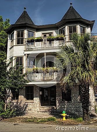 Free Historical Savannah Georgia Pink Building Stock Photos - 35956203