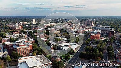 Historisk byggnad Aerial Perspective Lexington Virginia USA lager videofilmer