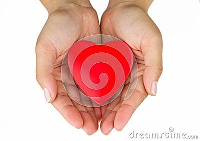 Hjärta gömma i handflatan