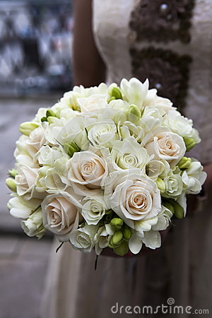 Hochzeitsblumenstrauß der rosafarbenen und weißen Rosen