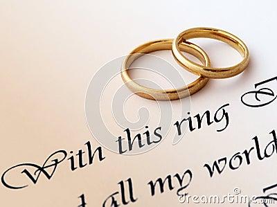 Hochzeitsringe und -versprechen