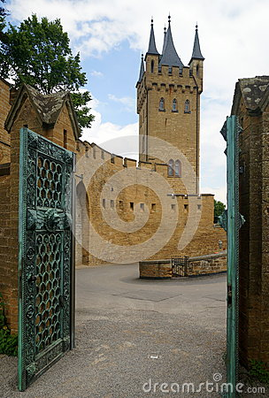 Free Hohenzollern Castle Royalty Free Stock Images - 42216549
