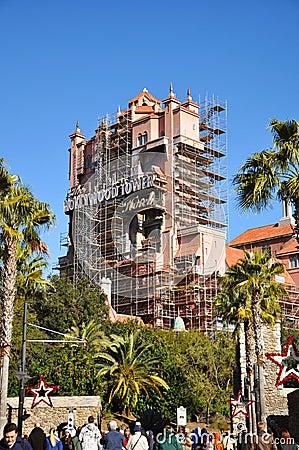 Hollywood-Kontrollturm-Hotel in der Disney-Welt Redaktionelles Bild