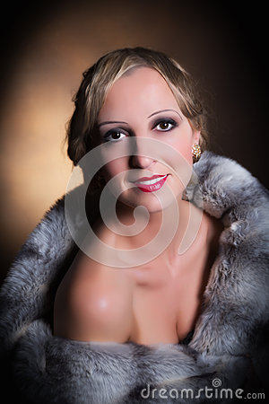 Hollywood lady with fur