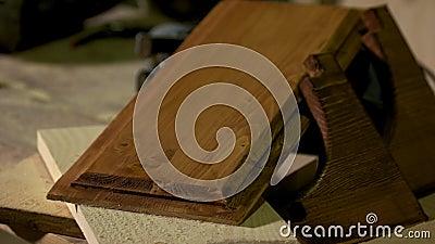 Holzplatte mit Lack stock footage