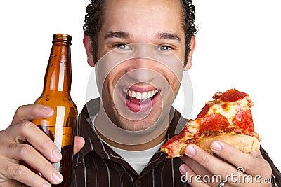 Hombre de la cerveza de la pizza