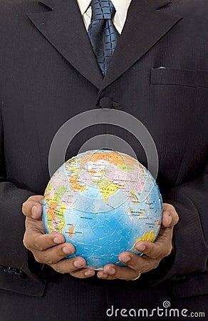 Hombre de negocios con el globo