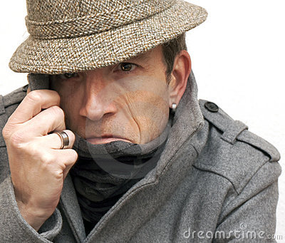 Hombre en la ocultación
