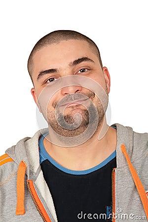 Hombre en negrilla de la barba