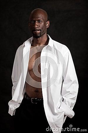 Hombre negro de los años  40 hermosos