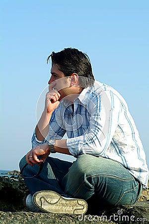 Hombre pensativo