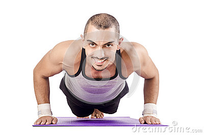 Hombre que hace ejercicios