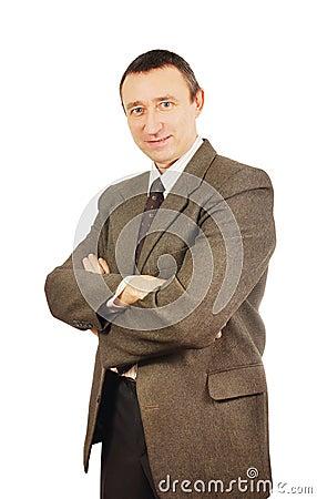 Hombre seguro de sí mismo en un traje de negocios