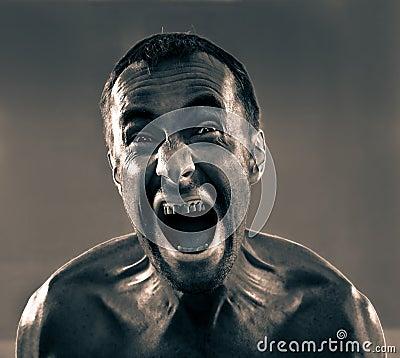 Hombre sucio de griterío