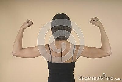 Hombros y brazos fuertes