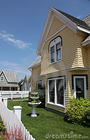 Free Home Exterior Royalty Free Stock Image - 18055156