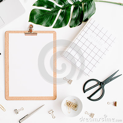 Free Home Office Workspace Mockup With Laptop, Clipboard, Palm Leaf, Notebook And Accessories Royalty Free Stock Photos - 84345138
