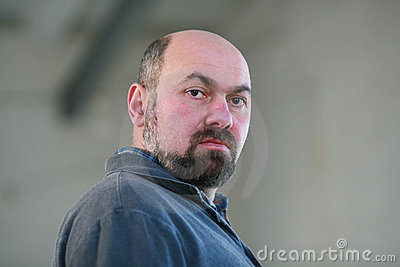 Homem com uma barba