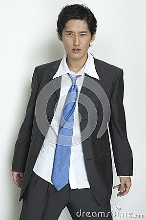 Homem de negócios desalinhado