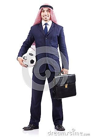 Homem de negócios árabe com futebol
