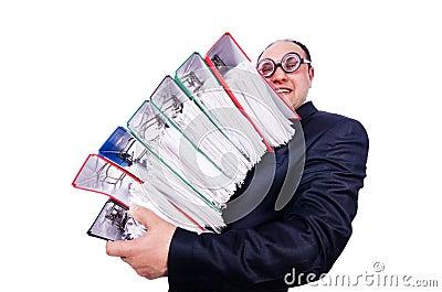 Homem engraçado com lotes dos dobradores
