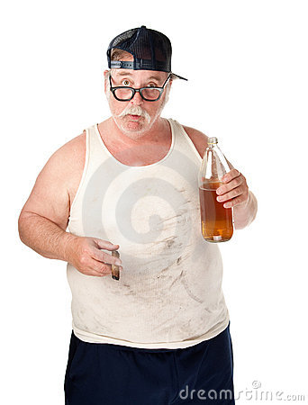 Homem gordo com cerveja