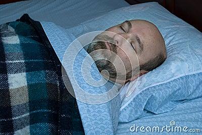 Homem maduro de sono