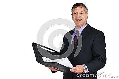 Homem no sorriso do terno e do laço