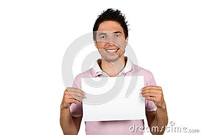 Homem novo que prende uma página em branco