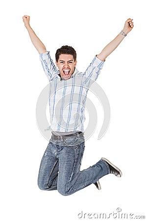 Homem ocasional que shouting para a alegria