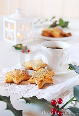 Free Homemade Christmas Cookies, Coffee, Holly And White Lantern Stock Photography - 100126372