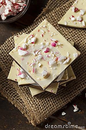 Homemade Christmas Peppermint Bark Dessert