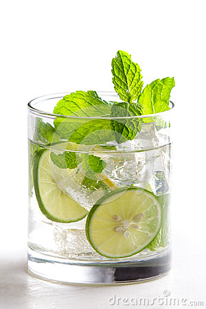 Free Homemade Mojito Cocktail With Fresh Limes, Mint, And Ice Royalty Free Stock Photography - 78911237