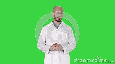 chroma vertclde sur Homme le et avec la chose main uncran dans dical m parlant de manteau arabe pr sent quelque docteur wO80NPknX