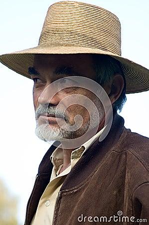 Homme dans le chapeau