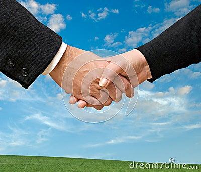 L'amitié est parfois plus fort que l'amour ! Lisez ceci... - Page 2 Handshaking-man-and-woman-thumb16521605