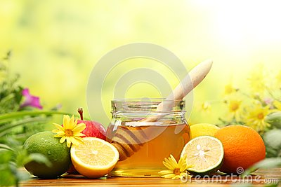 Honey and fresh fruits