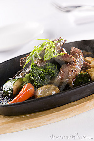 Honey & Pepper Sizzling Beef and vegetables