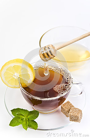 Honey tea with lemon and leaf freash mint