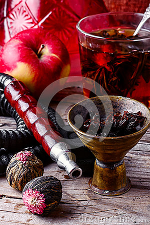 Free Hookah And Tea Royalty Free Stock Image - 68734986