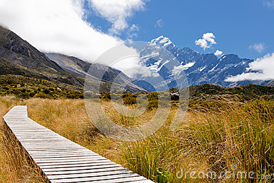 Hooker Valley w Aoraki, Mt Cook, Southern Alps, NZ