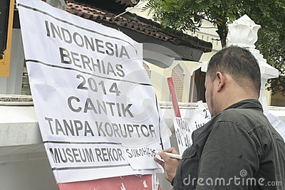 HOPE POSTER LOOK PRETTY WITHOUT CORRUPTION IN INDONESIA Editorial Stock Photo