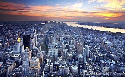 Horizon de New York au crépuscule
